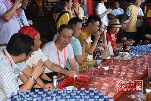 海外华文媒体代表参观莆田湄洲岛 感受妈祖文化